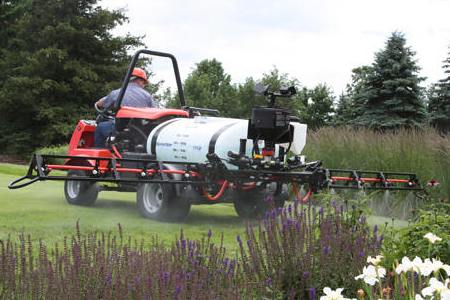 Smithco 1750 Series Sprayer